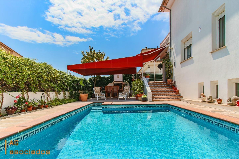 Villa in Es Secar de la Real, Balearic Islands, Spain 1