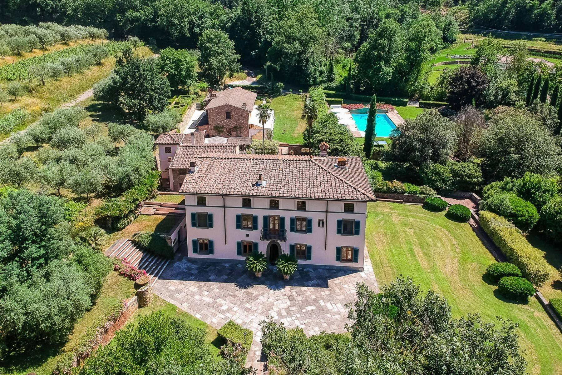 House in Lucca, Tuscany, Italy 1 - 10954852