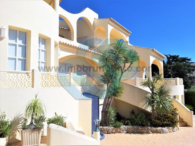 House in Ferragudo, Faro District, Portugal 1
