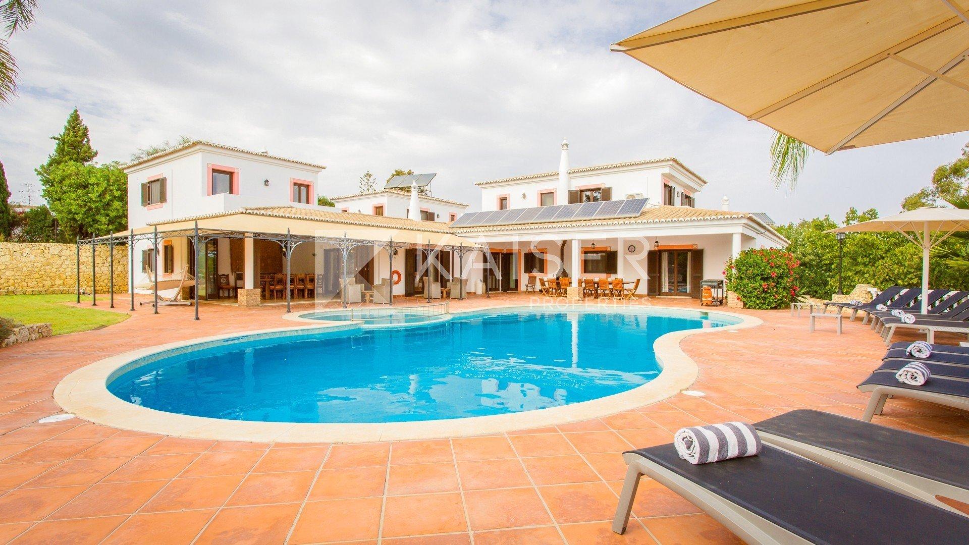 House in Carvoeiro, Algarve, Portugal 1 - 10789850