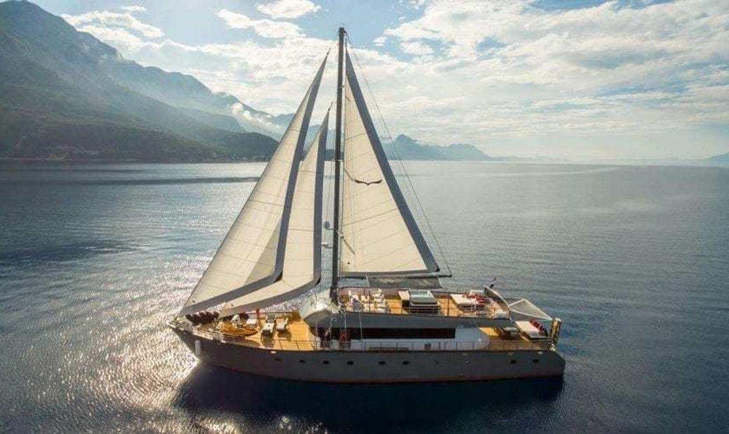 Sailing Sailing Yacht