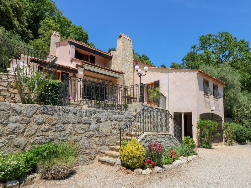 Villa in Le Tignet, Provence-Alpes-Côte d'Azur, France 1 - 10999360