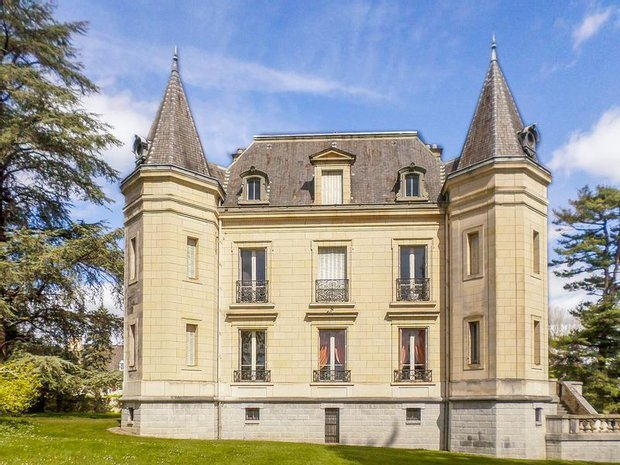 Chateau in Navarrenx, Nouvelle-Aquitaine, France 1