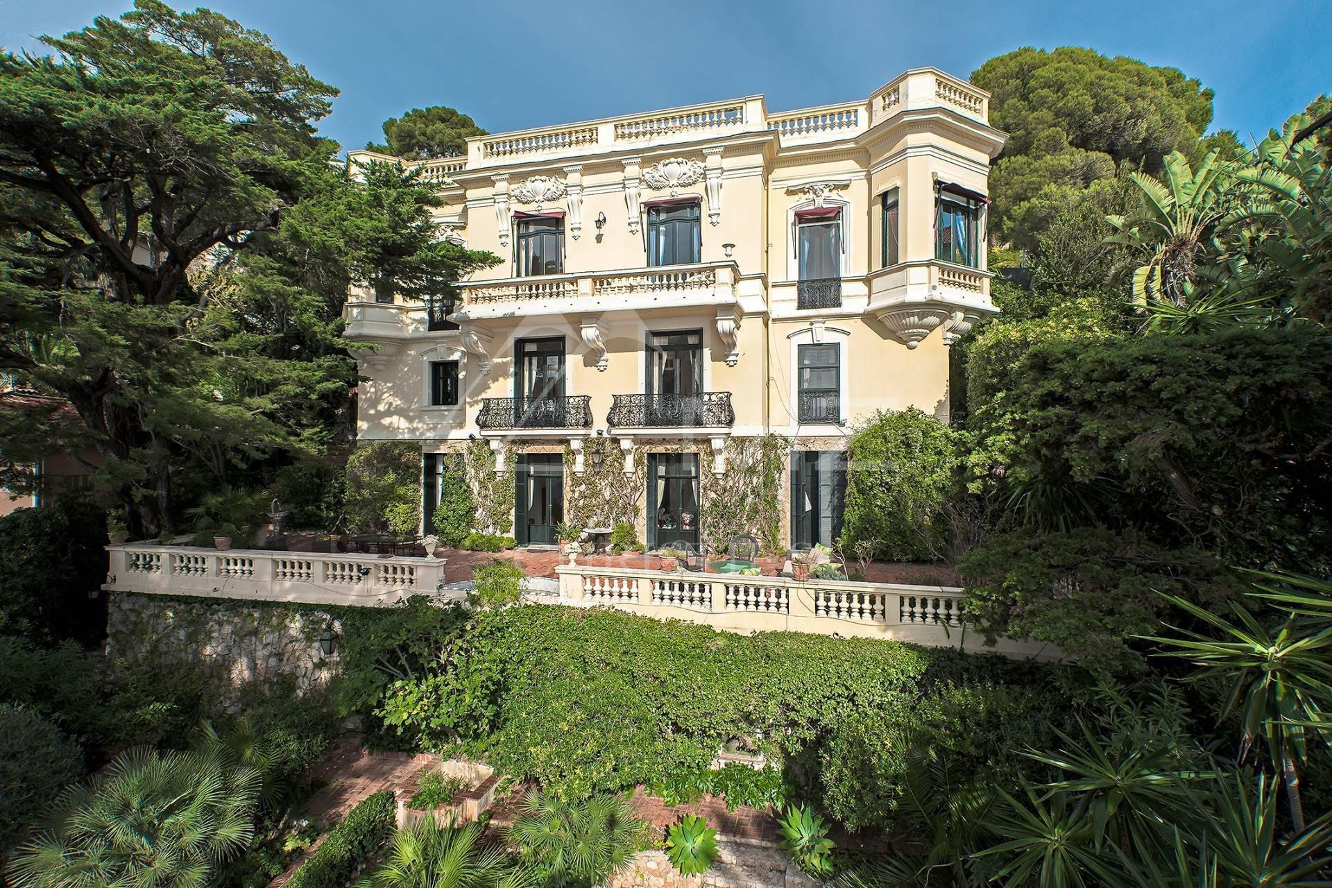 Villa in Cap-d'Ail, Provence-Alpes-Côte d'Azur, France 1