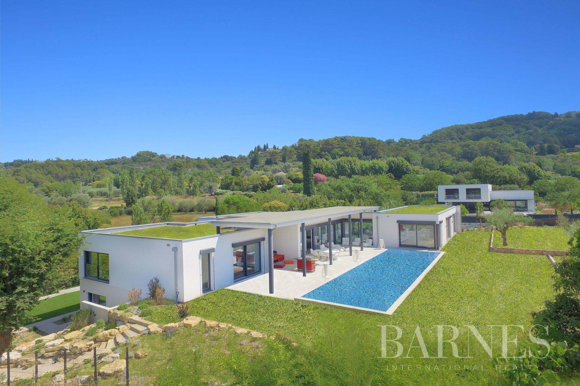 Villa in Mouans-Sartoux, Provence-Alpes-Côte d'Azur, France 1 - 11006768