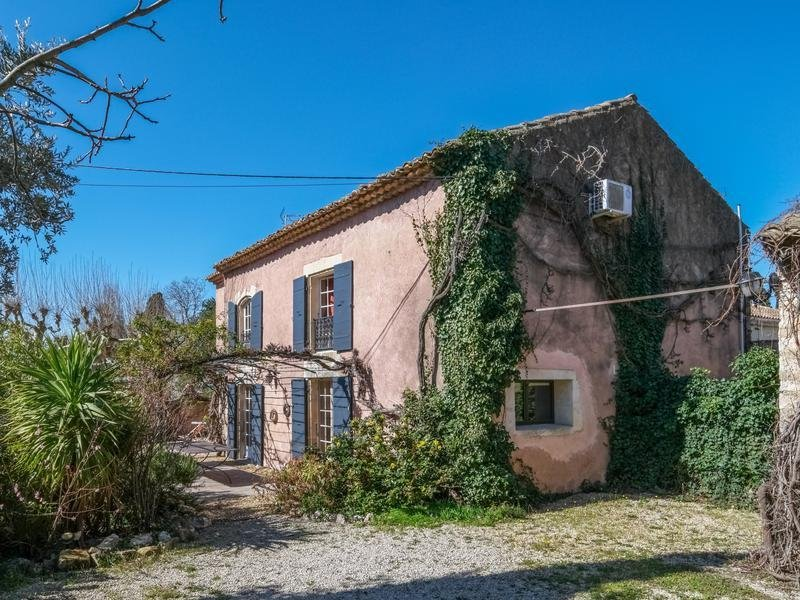 Villa in Bouches-du-Rhone, France 1
