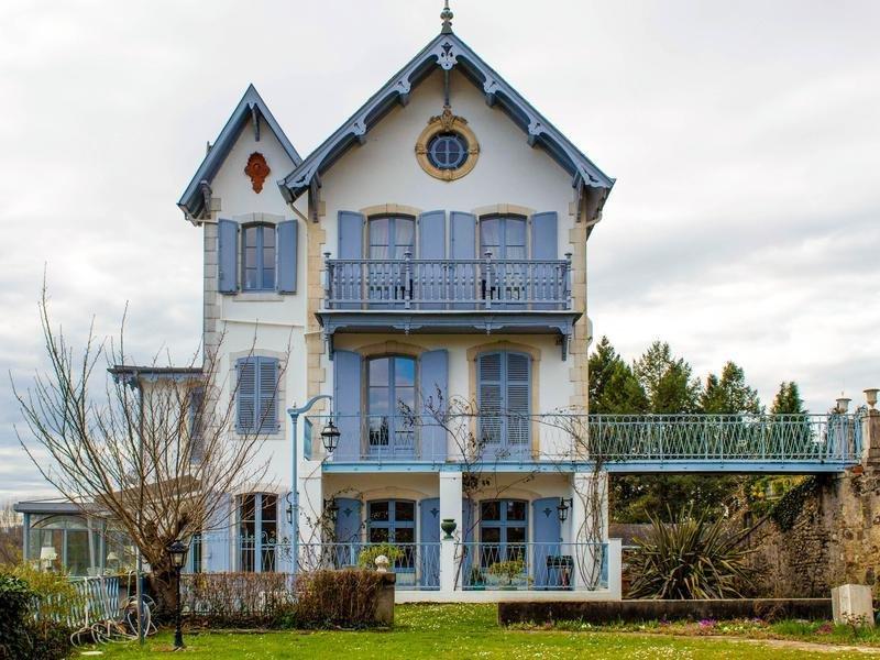 Chateau in Jurançon, Nouvelle-Aquitaine, France 1