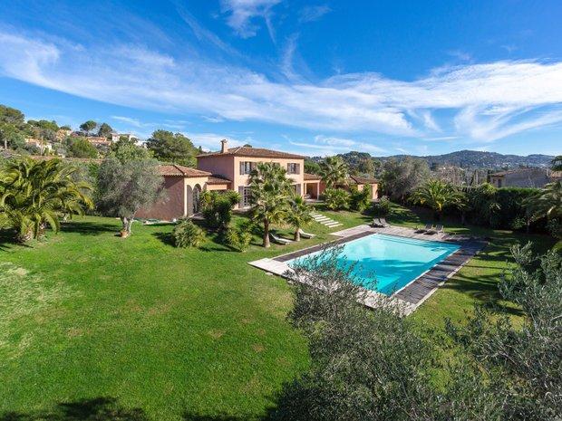 Villa in Mougins, Provence-Alpes-Côte d'Azur, France 1