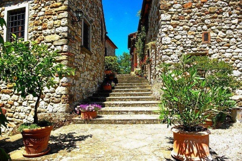 House in Scarperia e San Piero, Tuscany, Italy 1