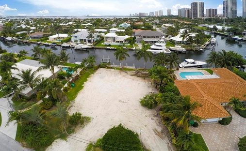 Land in West Palm Beach, Florida, United States