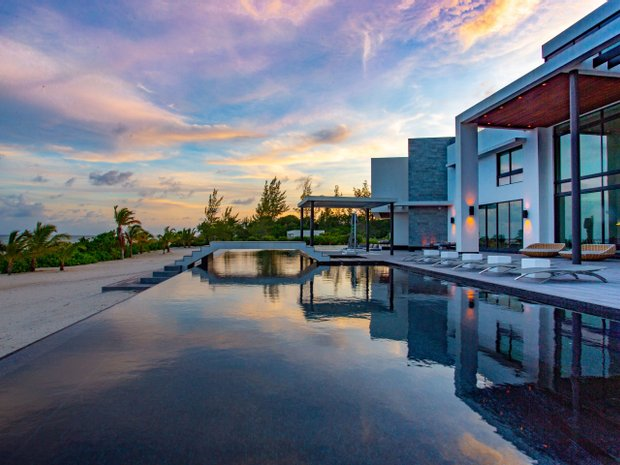 House in Bodden Town, Cayman Islands 1