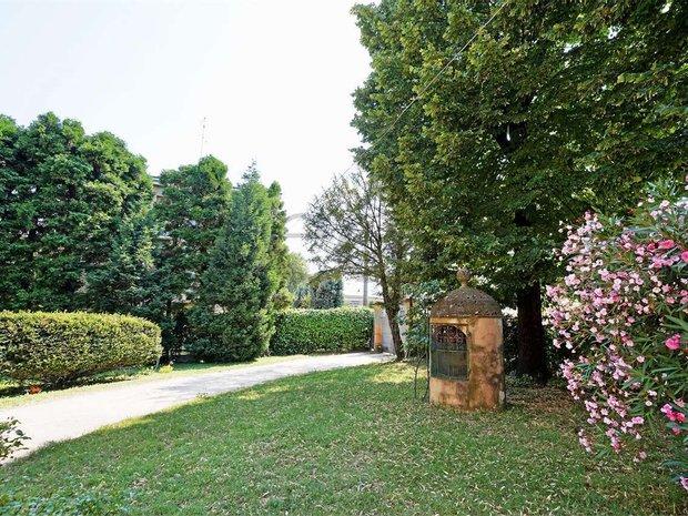 Villa in Formigine, Emilia-Romagna, Italy 1