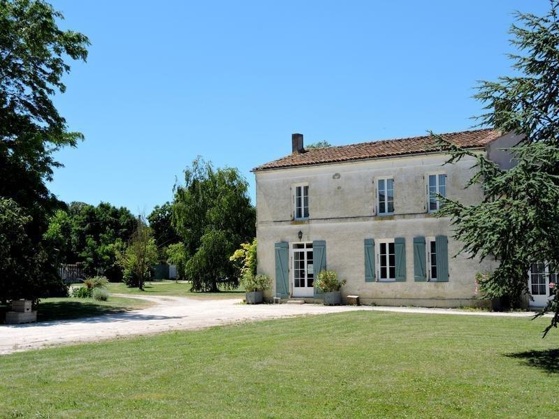 Farm Ranch in Benon, Nouvelle-Aquitaine, France 1