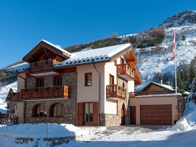 Chalet in Les Belleville, Auvergne-Rhône-Alpes, France 1