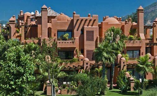 Apartment in Nueva Andalucía, Andalucía, Spain