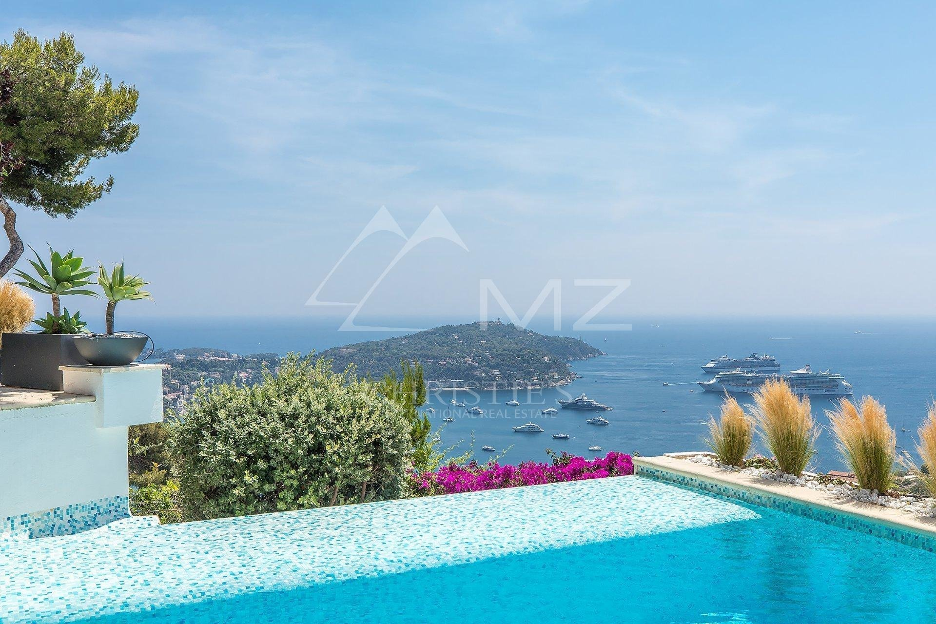 Villa in Villefranche-sur-Mer, Provence-Alpes-Côte d'Azur, France 1 - 11021275