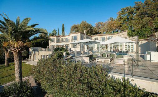 House in Grasse, Provence-Alpes-Côte d'Azur, France