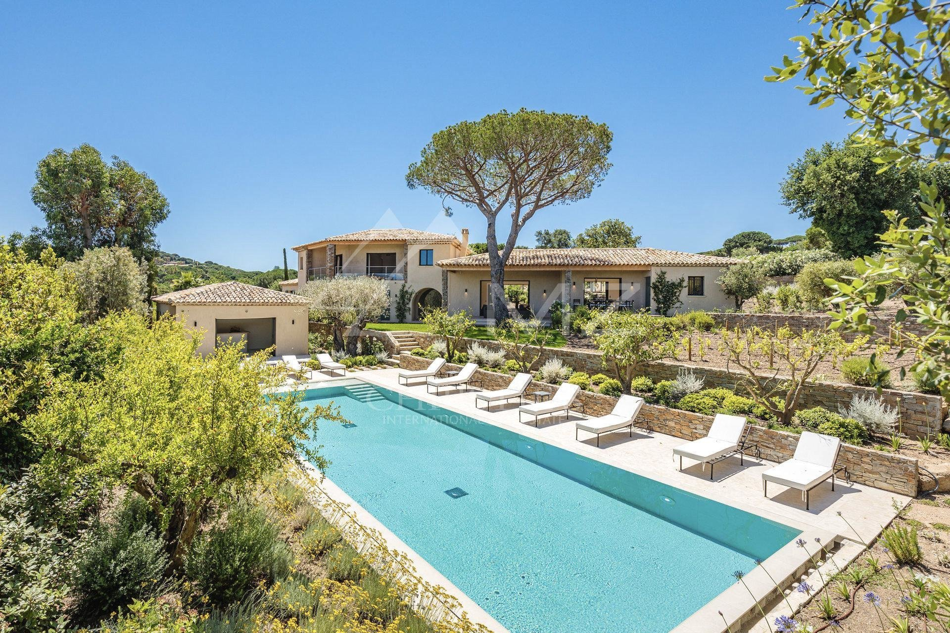 Villa in Saint-Tropez, Provence-Alpes-Côte d'Azur, France 1 - 11022425