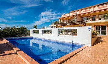 Villa in Estói, Algarve, Portugal 1
