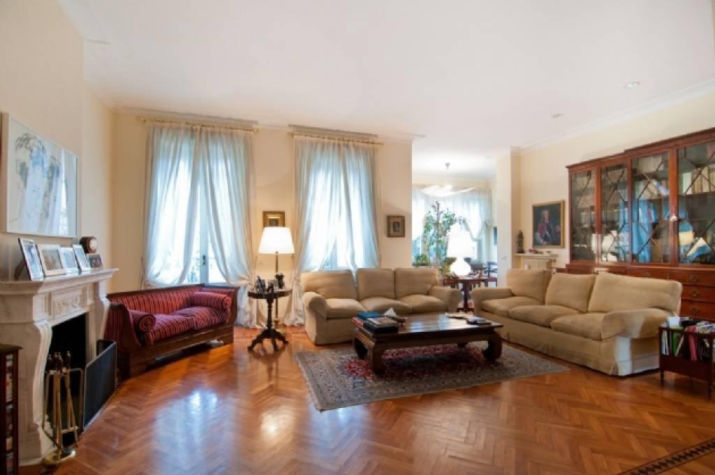Villa in Milan, Lombardy, Italy 1 - 10755571