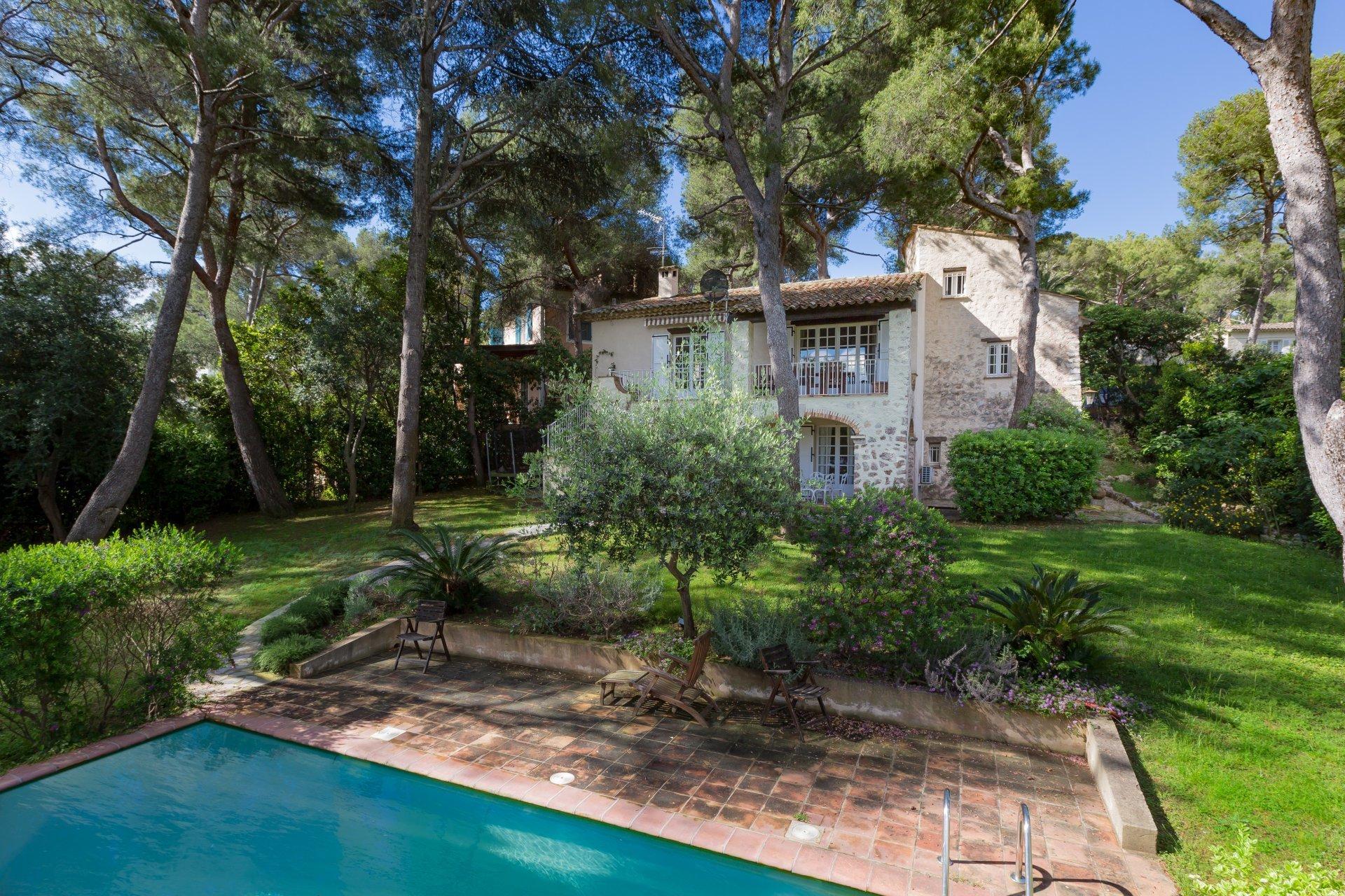 House in Saint-Jean-Cap-Ferrat, Provence-Alpes-Côte d'Azur, France 1 - 10763135