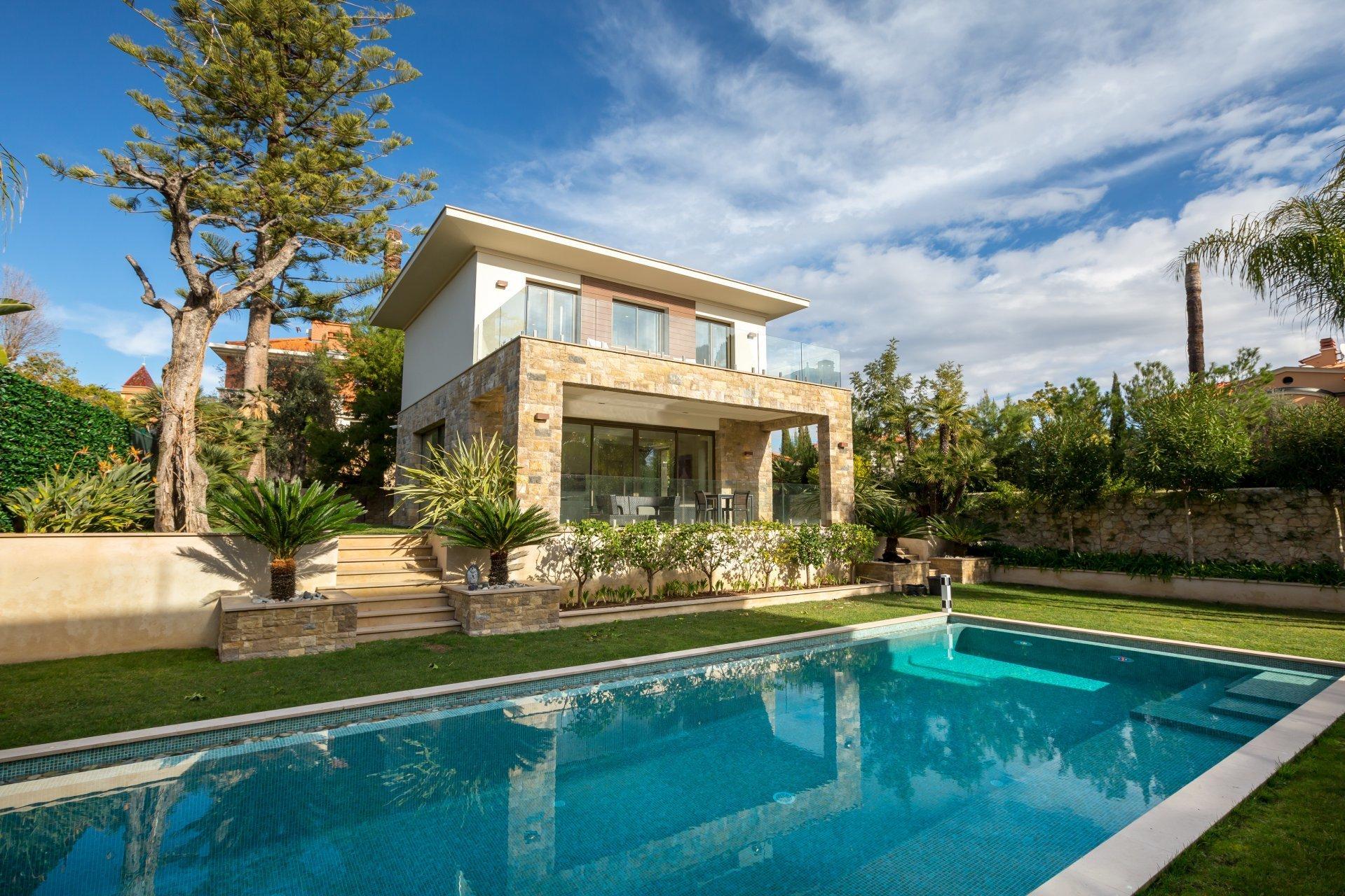 Villa in Saint-Jean-Cap-Ferrat, Provence-Alpes-Côte d'Azur, France 1