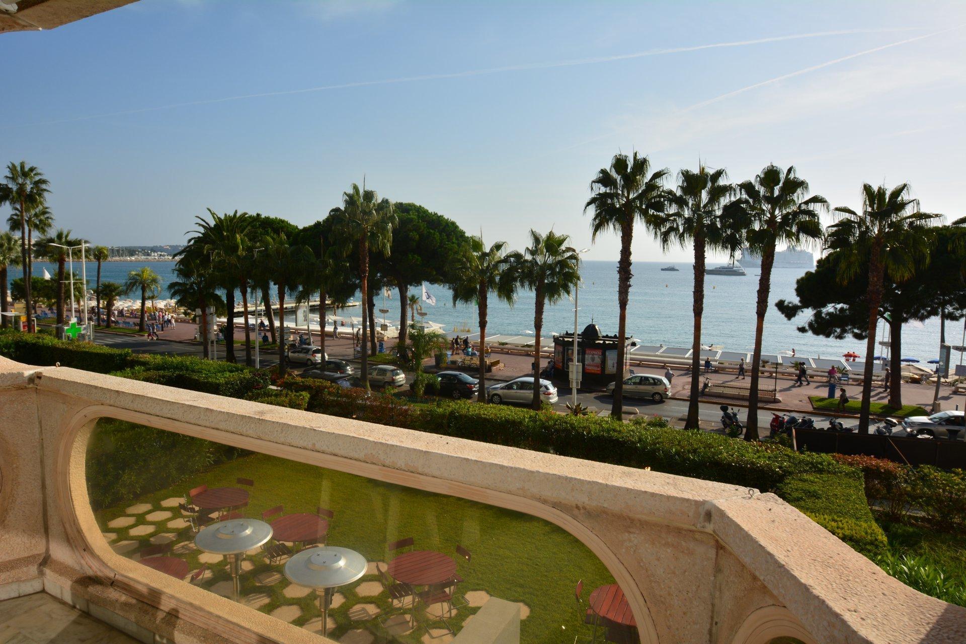 Apartment in Cannes, Provence-Alpes-Côte d'Azur, France 1 - 10767494