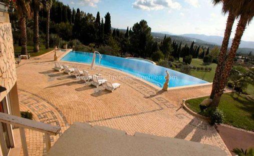 Villa in Grasse, Provence-Alpes-Côte d'Azur, France