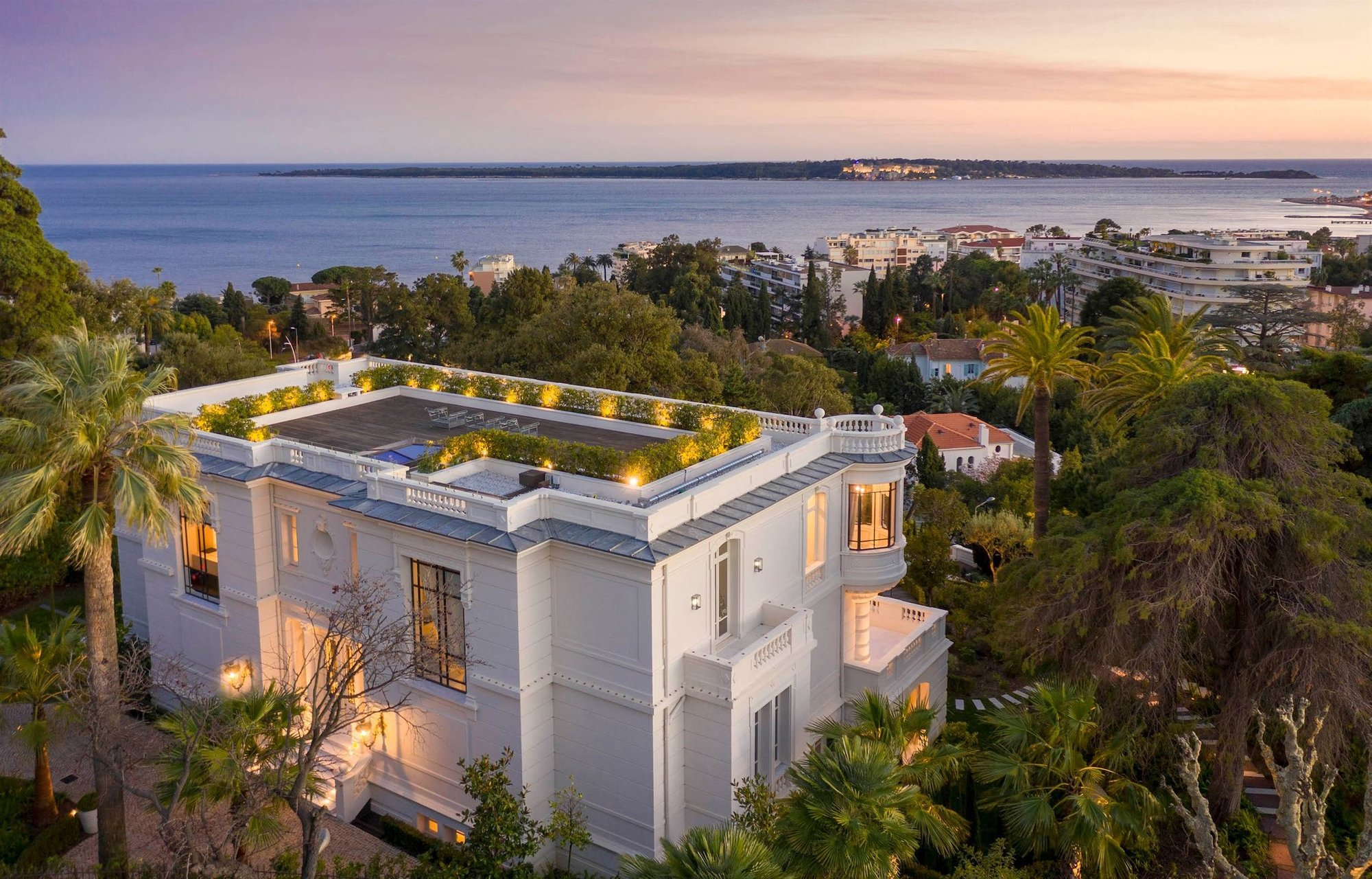 House in Cannes, Provence-Alpes-Côte d'Azur, France 1 - 10054340