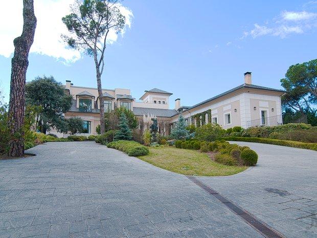 Villa in Madrid, Spain 1