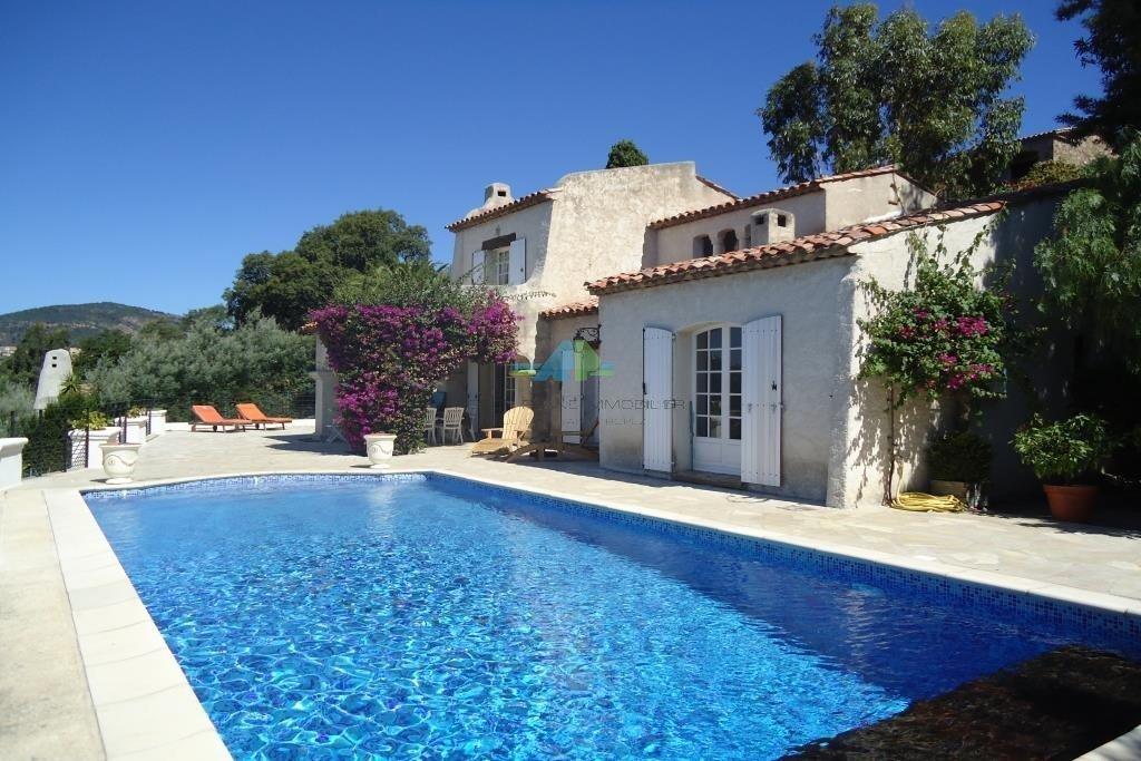 Villa in Roquebrune-sur-Argens, Provence-Alpes-Côte d'Azur, France 1