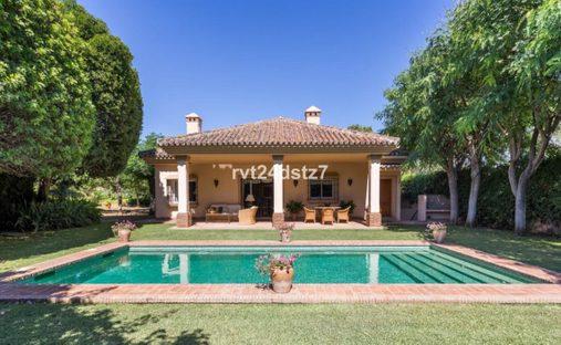 Villa in San Pedro Alcántara, Andalucía, Spain