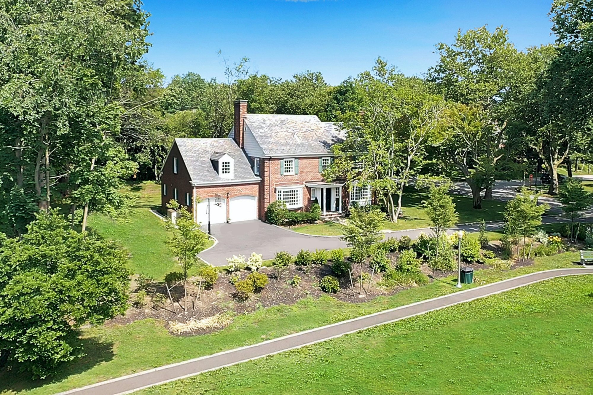 House in Manhasset, New York, United States 1 - 11038613