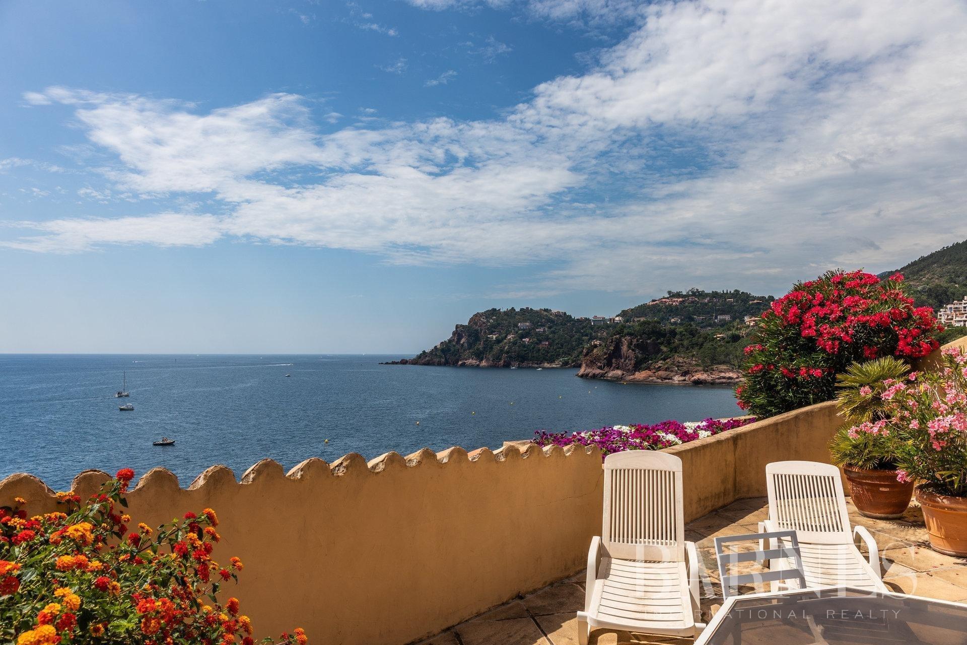 Apartment in Théoule-sur-Mer, Provence-Alpes-Côte d'Azur, France 1 - 11023768