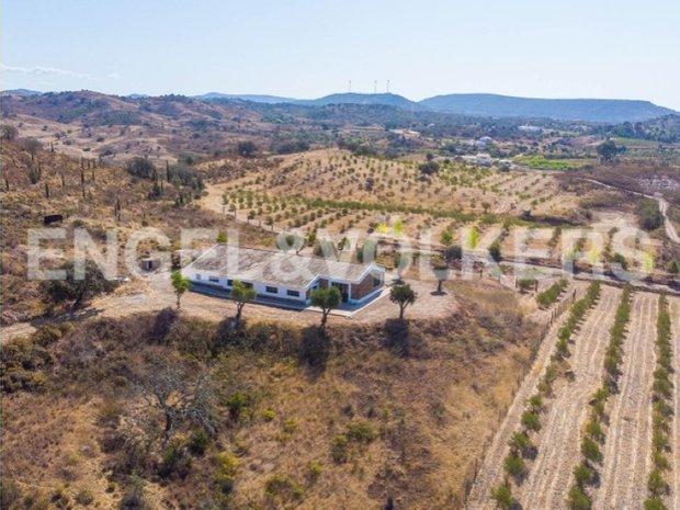 Farm Ranch in Silves, Algarve, Portugal 1