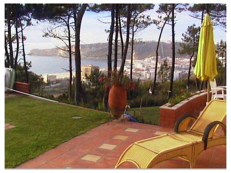 House in Valado dos Frades, Leiria District, Portugal 1