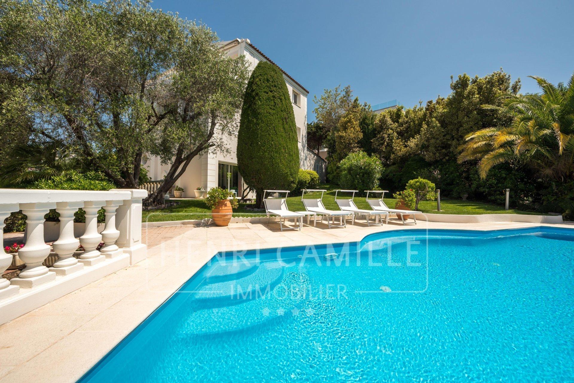 Villa in Cannes, Provence-Alpes-Côte d'Azur, France 1 - 10670977