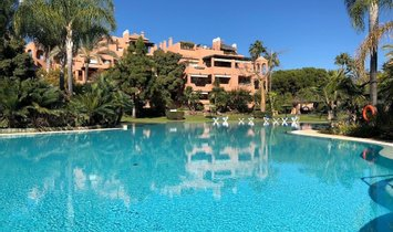Wohnung in Marbella, Andalusien, Spanien 1