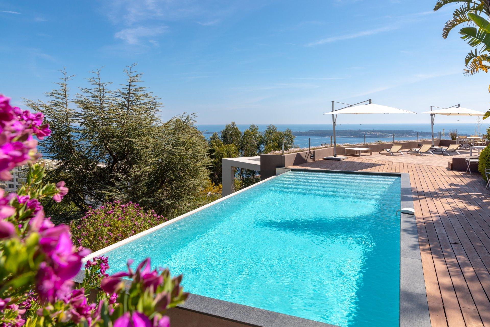 House in Cannes, Provence-Alpes-Côte d'Azur, France 1 - 10761228