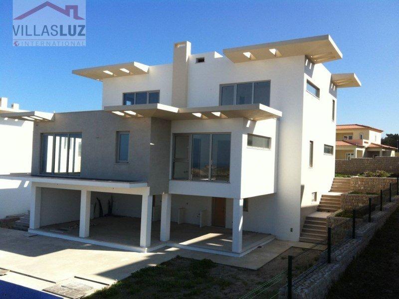 House in Leiria District, Portugal 1