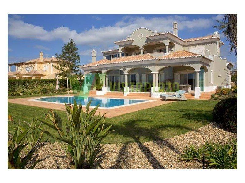 House in Estômbar, Faro District, Portugal 1