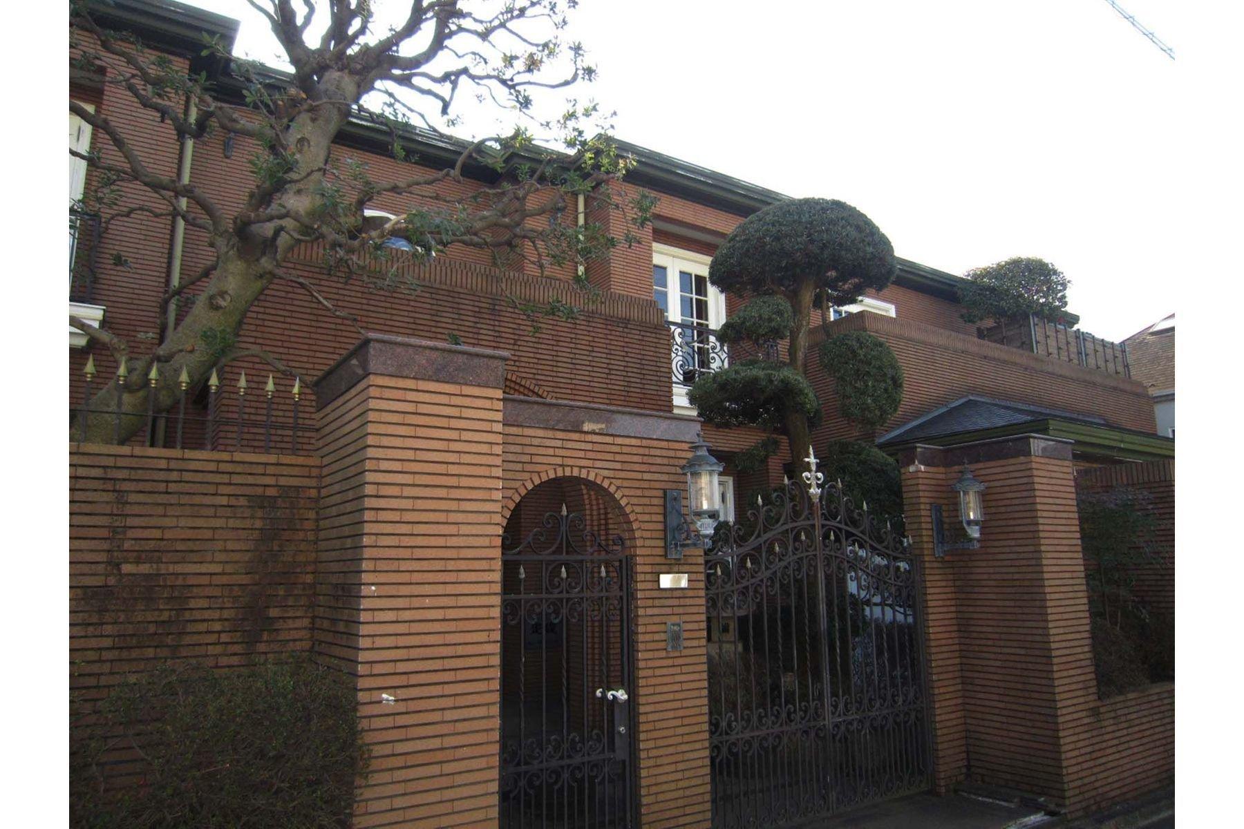 House in Ota City, Tokyo, Japan 1