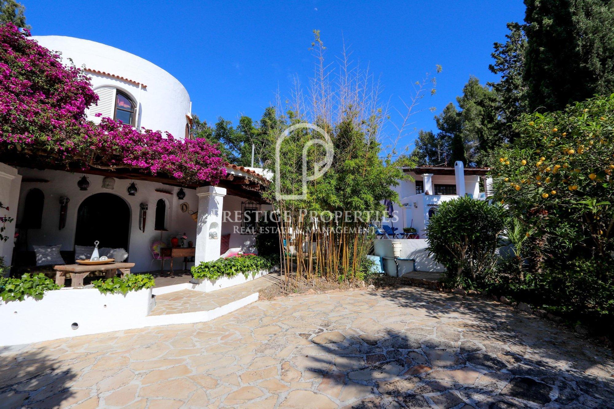 Villa in Sant Antoni de Portmany, Balearic Islands, Spain 1