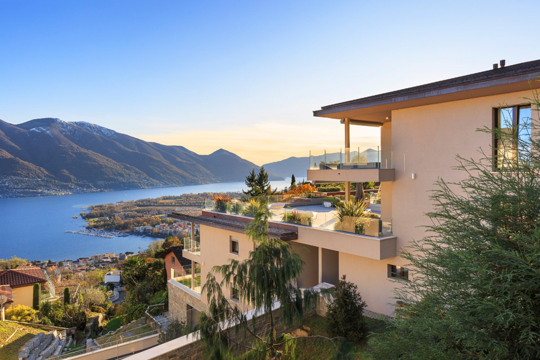 Apartment in Minusio, Ticino, Switzerland 1