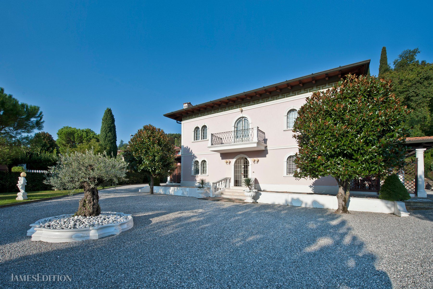 House in Padenghe sul Garda, Lombardy, Italy 1