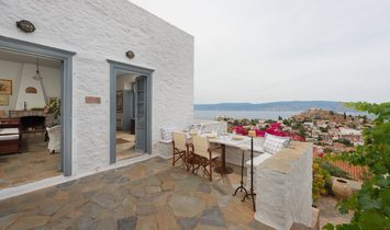 House in Decentralized Administration of Attica, Greece 1