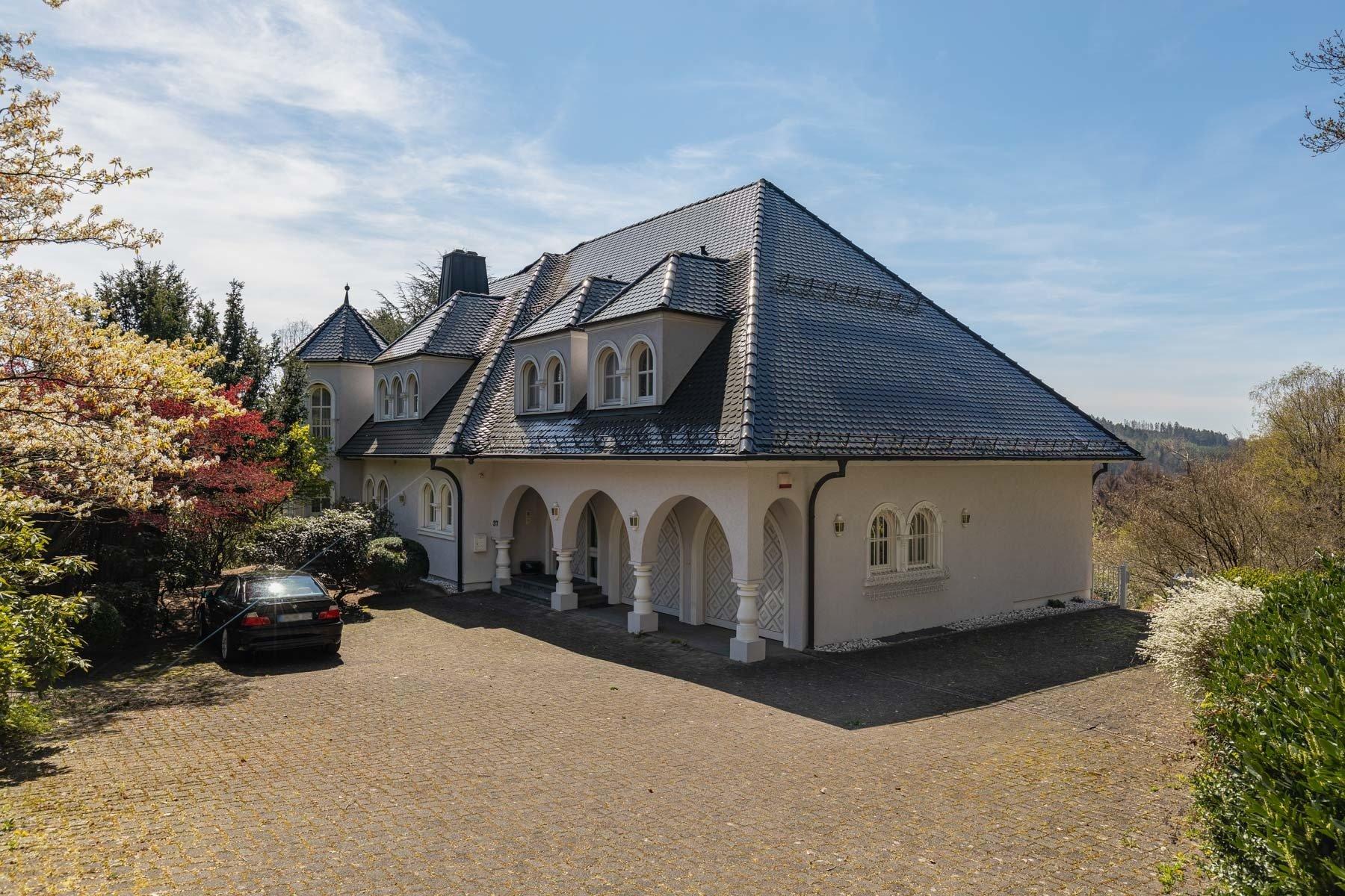 House in Gummersbach, North Rhine-Westphalia, Germany 1 - 11005995