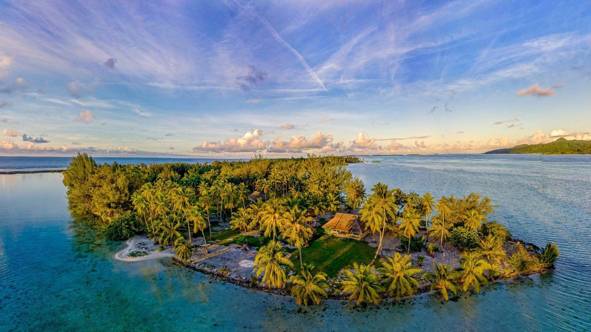 Private Island in Iripau, Leeward Islands, French Polynesia 1
