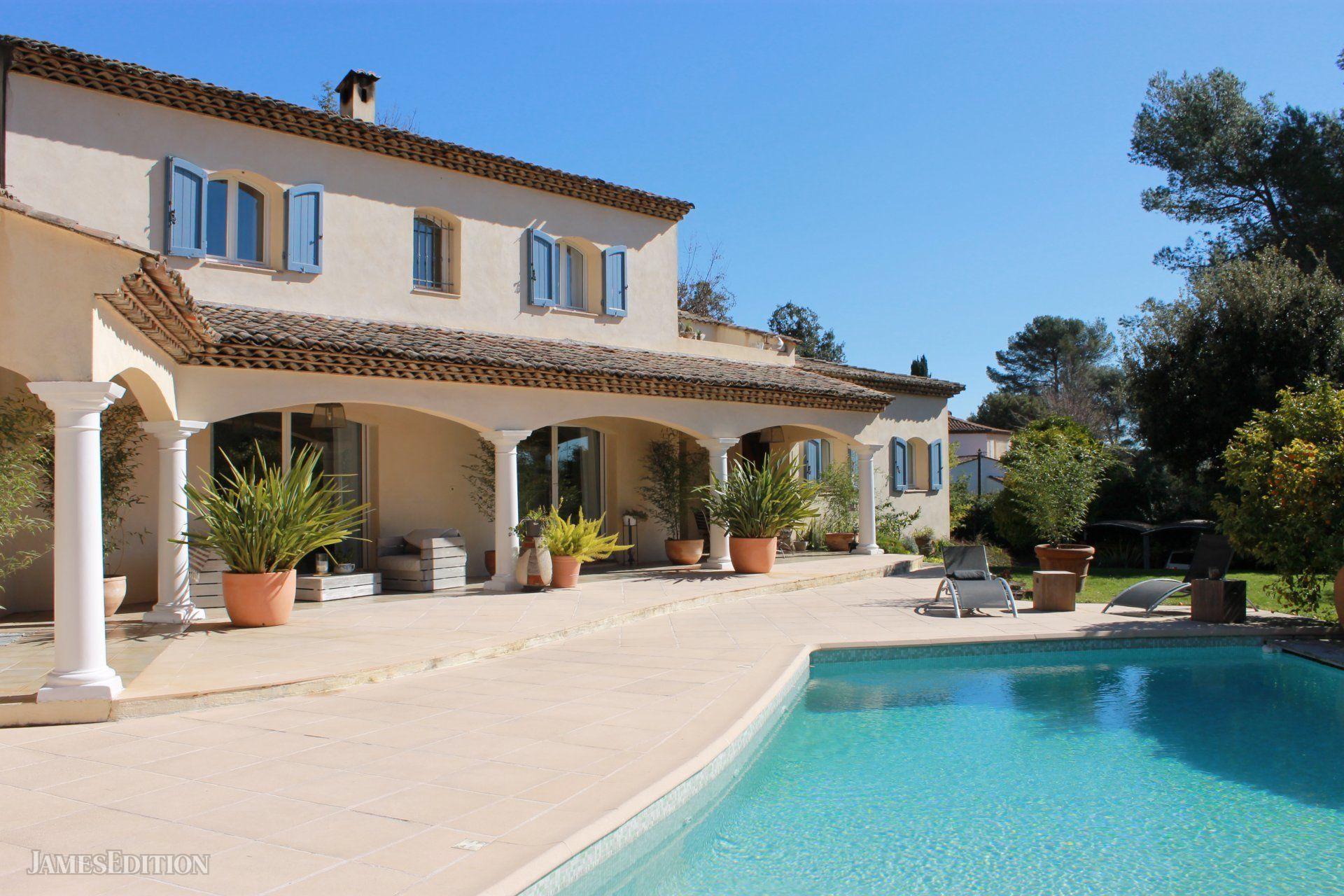 Villa in Roquefort-les-Pins, Provence-Alpes-Côte d'Azur, France 1
