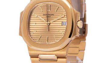 Patek Philippe Nautilus 3800, Baton, 1989, Very Good, Case material Yellow Gold, Bracel